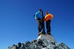 Flo und Dennis am Gipfelkreuz