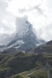Das Matterhorn mal nur leicht mit Wolken verhangen