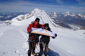Gipfelfoto auf der Parrotspitze, im Hintergrund der Liskamm