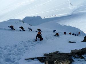 Ansturm auf den schmalen Gipfel des Schwarzhorns