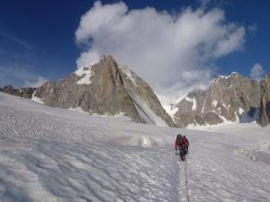 Auf dem Weg zur Tour Ronde. In der Nordwand sieht man kaum noch Schnee.