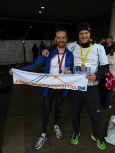 Das Team Abenteuersuechtig.de nach dem Lauf