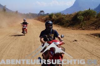 Flo auf seinem Weg durch den Dirt-Track