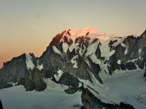 Morgenröte über dem Mont Blanc
