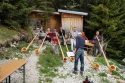 Die Alphornbläser auf der Tannheimer Hütte
