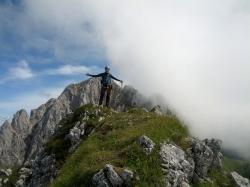 Auch Max genießt kurz seinen Gipfelerfolg