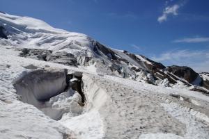 Wir mussten gewaltige Gletscherspalten passieren