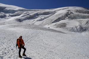 Flo posiert am Gletscher