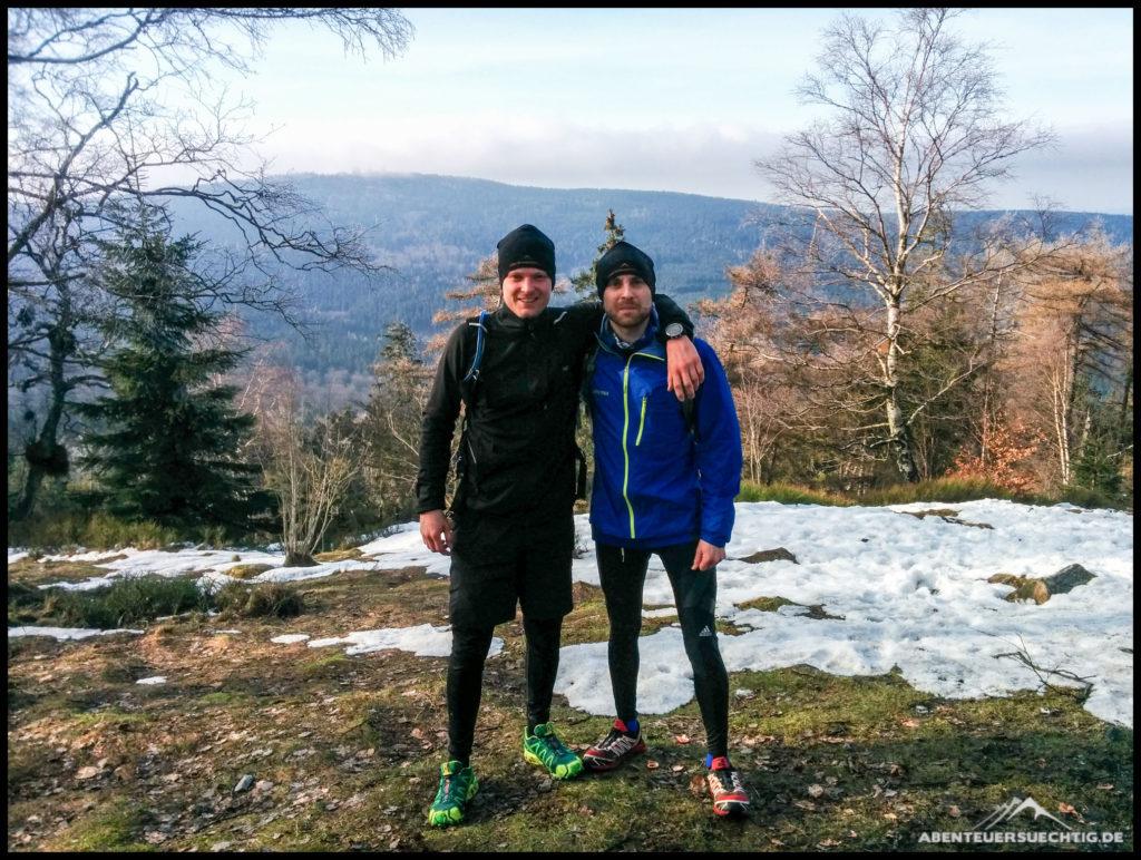 Dennis & Flo beim Trailrunning im Winter