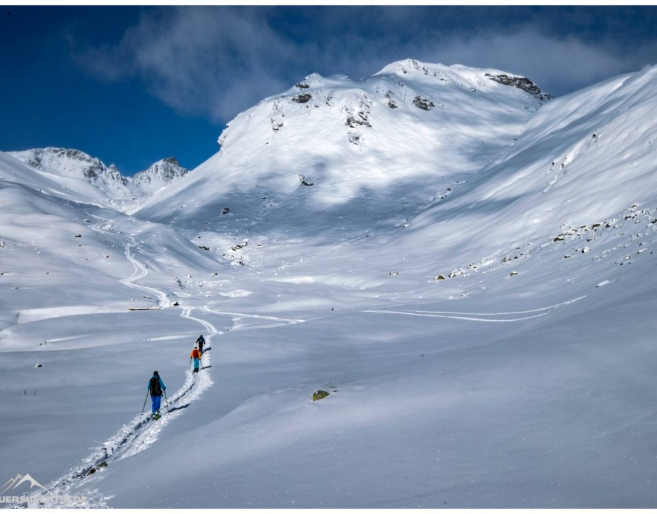 Skitouren im Engadin bei traumhaftem Wetter